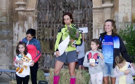 La corredora del CAU de Zaragoza Alicia Moreno Navarro se ha colocado líder provisional de la clasificación general femenina tras su triunfo en la Torre de las Arcas Trail.